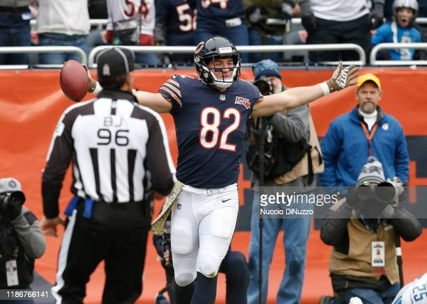 Ben Braunecker of the Chicago Bears celebrates his touchdown during the second quarter against the Detroit Lions at Soldier Field on November 10,...