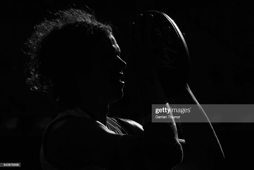 Ben Brown of the Kangaroos lines up for goal during the round three AFL match between the Melbourne Demons and the North Melbourne Kangaroos at Melbourne Cricket Ground on April 7, 2018 in Melbourne, Australia.