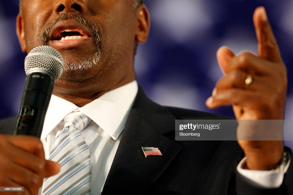 U.S. Presidential Candidate Ben Carson Rally : News Photo