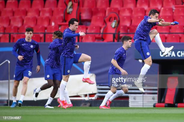 Ben Chilwell of Chelsea warms up prior to the UEFA Champions League Quarter Final Second Leg match between Chelsea FC and FC Porto at Estadio Ramon...