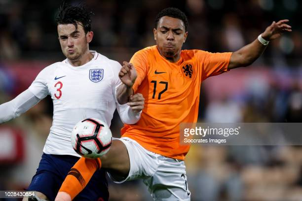 Ben Chilwell of England U21 Donyell Malen of Holland U21 during the match between England U21 v Holland U21 at the Carrow Road on September 6 2018 in...