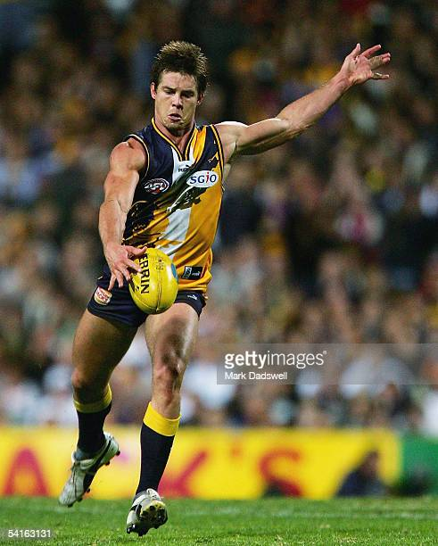 Ben Cousins for the Eagles in action during the AFL Second Qualifying Final between the West Coast Eagles and the Sydney Swans at Subiaco Oval...
