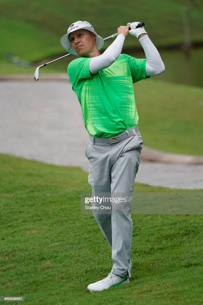Ben Crane of the United States in action during round two of the 2017 CIMB Classic at TPC Kuala Lumpur on October 13, 2017 in Kuala Lumpur, Malaysia.