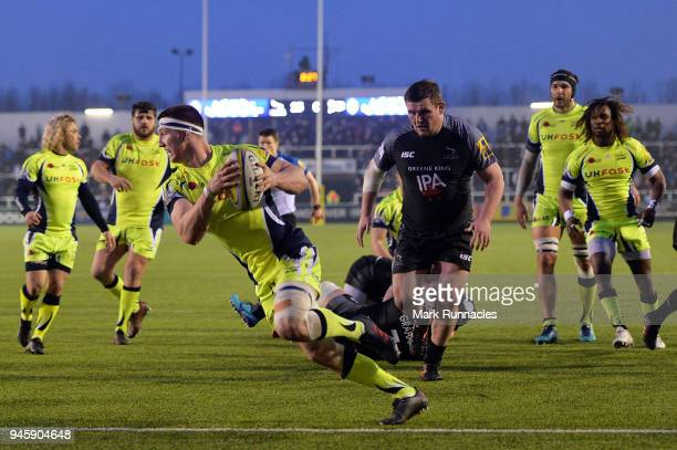 Ben Curry of Sale Sharks scores a try during the Aviva Premiership match between Newcastle Falcons and Sale Sharks at Kingston Park on April 13 2018...