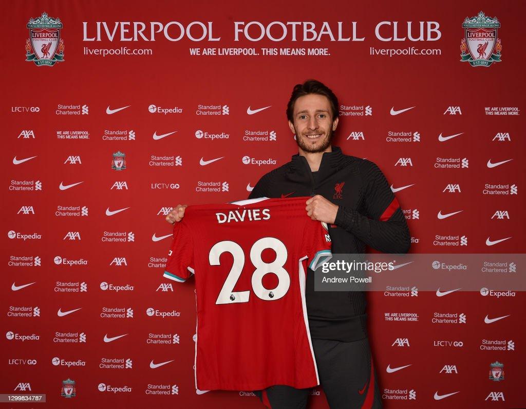 Liverpool Unveil New Signing Ben Davies : ニュース写真