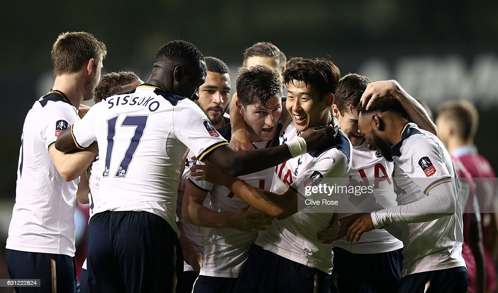 Ben Davies of Tottenham Hotspur (C) celebrates scoring his sides first goal with his Tottenham Hotspur team mates during The Emirates FA Cup Third Round match between Tottenham Hotspur and Aston Villa at White Hart Lane on January 8, 2017 in London, England.
