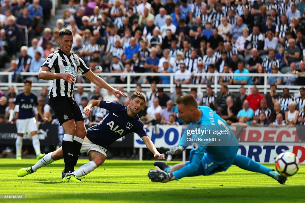 Ben Davies of Tottenham Hotspur scores his side's second goal during the Premier League match between Newcastle United and Tottenham Hotspur at St. James Park on August 13, 2017 in Newcastle upon Tyne, England.
