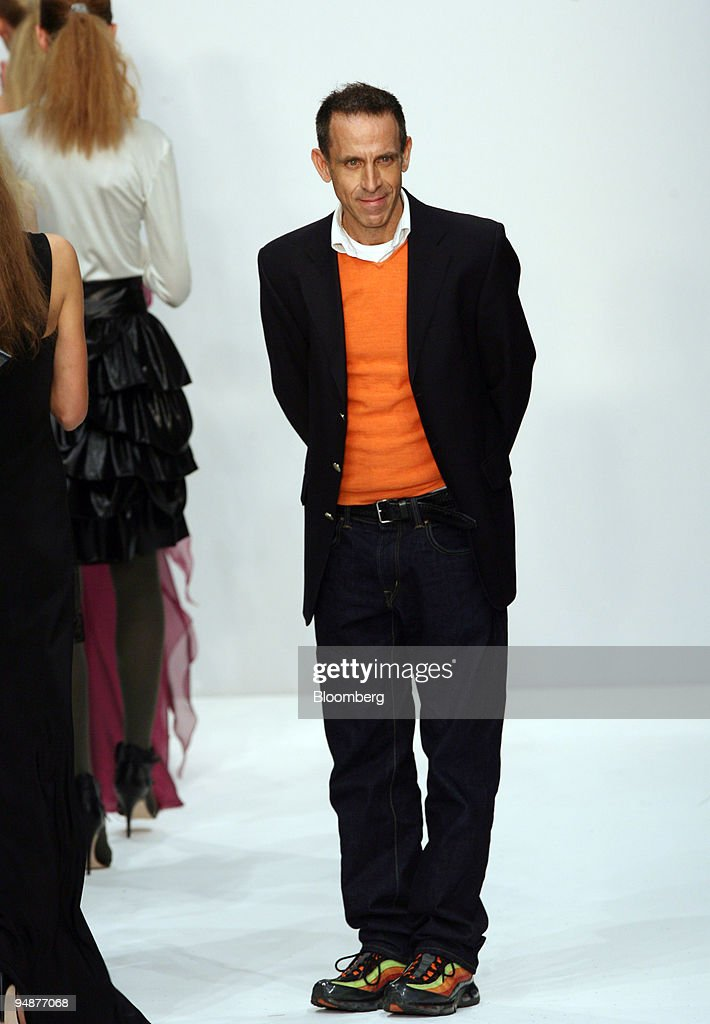 Ben De Lisi Fashion Designer Acknowledges Applause Following His News Photo Getty Images