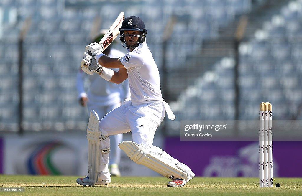 Bangladesh v England - First Test: Day One : News Photo