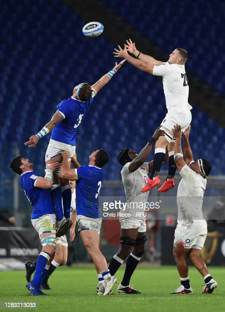 Ben Earl of England beats Niccolo Cannone of Italy in the lineout during the 2020 Guinness Six Nations match between Italy and England at Olimpico...