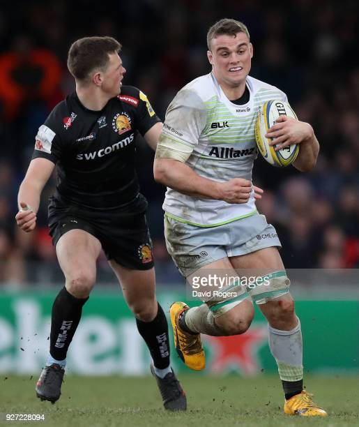 Ben Earl of Saracens breaks with the ball during the Aviva Premiership match between Exeter Chiefs and Saracens at Sandy Park on March 4 2018 in...