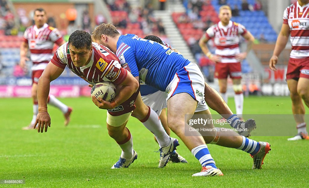 Wigan v Wakefield - Super League