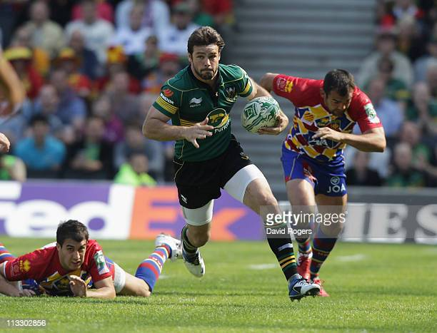 Ben Foden of Northampton charges upfield during the Heineken Cup semi final match between Northampton Saints and Perpignan at stadium mk on May 1...