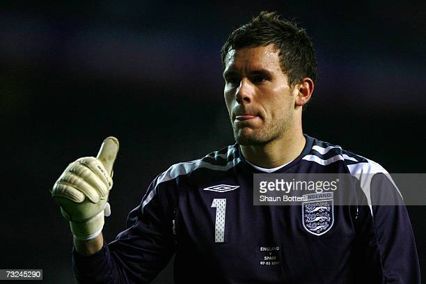 Ben Foster of England gives a thumbs up during the International Friendly match between England and Spain at Old Trafford on February 7, 2007 in...