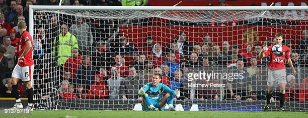Ben Foster of Manchester United shows his disappointment at conceding a second goal to Sunderland during the Barclays Premier League match between...