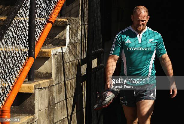Ben Franks arrives for a New Zealand All Blacks training session at Leichhardt Oval on September 7 2010 in Sydney Australia