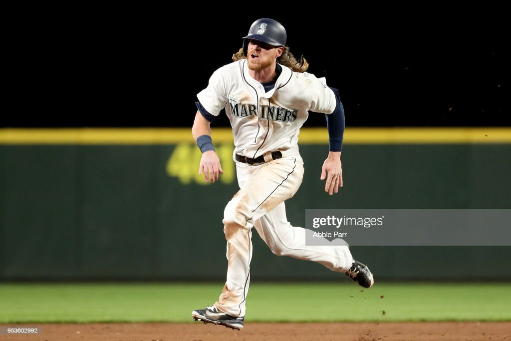Ben Gamel #16 of the Seattle Mariners runs to third base in the eighth inning against the Oakland Athletics at Safeco Field on May 1, 2018 in Seattle, Washington.