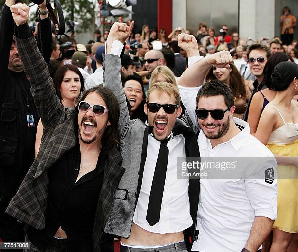 Ben Gillies Daniel Johns and Chris Joannou from the group Silverchair arrive on the red carpet at the 2007 ARIA Awards at Acer Arena on October 28...