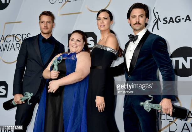 Ben Hardy Chrissy Metz Mandy Moore and Milo Ventimiglia pose in the press room during the 25th Annual Screen Actors Guild Awards at The Shrine...