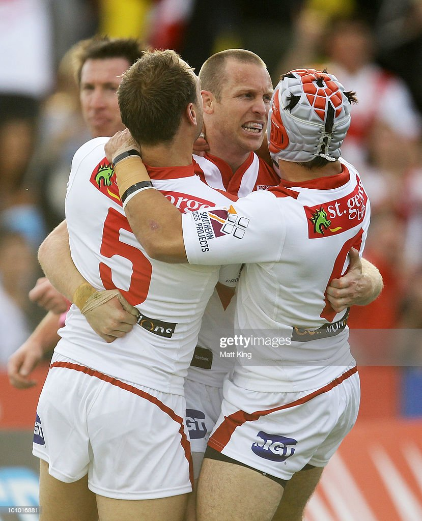 Ben Hornby (C) of the Dragons celebrates with team mates after scoring a first half try during the NRL Fourth Qualifying Final match between the St George Illawarra Dragons and the Manly Warringah Sea Eagles at WIN Jubilee Stadium on September 12, 2010 in Sydney, Australia.