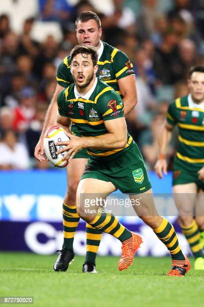 Ben Hunt of Australia runs the ball during the 2017 Rugby League World Cup match between Australia and Lebanon at Allianz Stadium on November 11 2017...