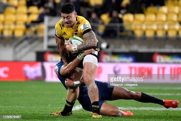Ben Lam of the Hurricanes charges forward during the round 6 Super Rugby Aotearoa match between the Hurricanes and the Blues at Sky Stadium on July...