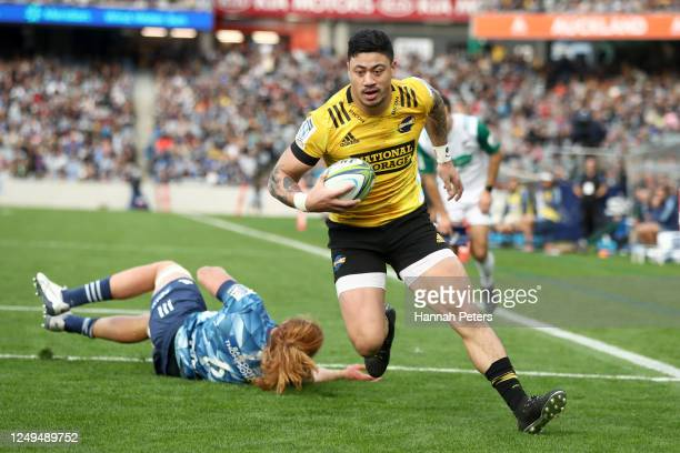 Ben Lam of the Hurricanes dives over to score a try during the round 1 Super Rugby Aotearoa match between the Blues and the Hurricanes at Eden Park...