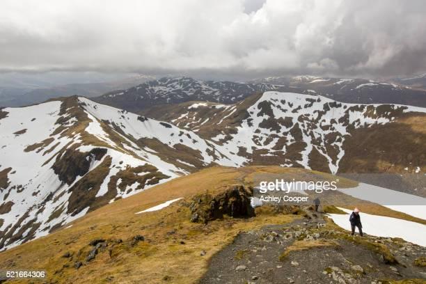ben lawers above loch tay in the scottish highlands, uk. - ben cooper stock-fotos und bilder