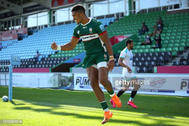 Ben Loader of London Irish celebrates scoring the opening try during the Gallagher Premiership Rugby match between London Irish and Worcester...