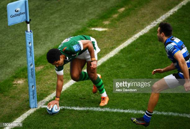 Ben Loader of London Irish scores his sides fourth try during the Gallagher Premiership Rugby match between London Irish and Bath at Brentford...