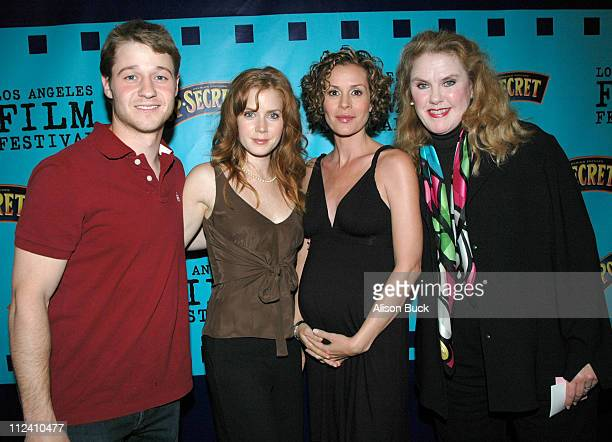 Ben McKenzie Amy Adams Embeth Davidtz and Celia Weston