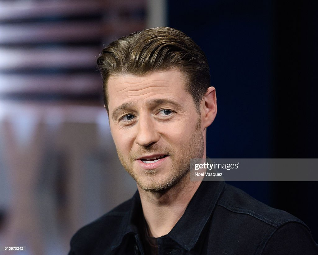 Ben McKenzie visits 'Extra' at Universal Studios Hollywood on February 17, 2016 in Universal City, California.