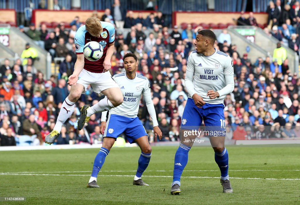Burnley FC v Cardiff City - Premier League : News Photo