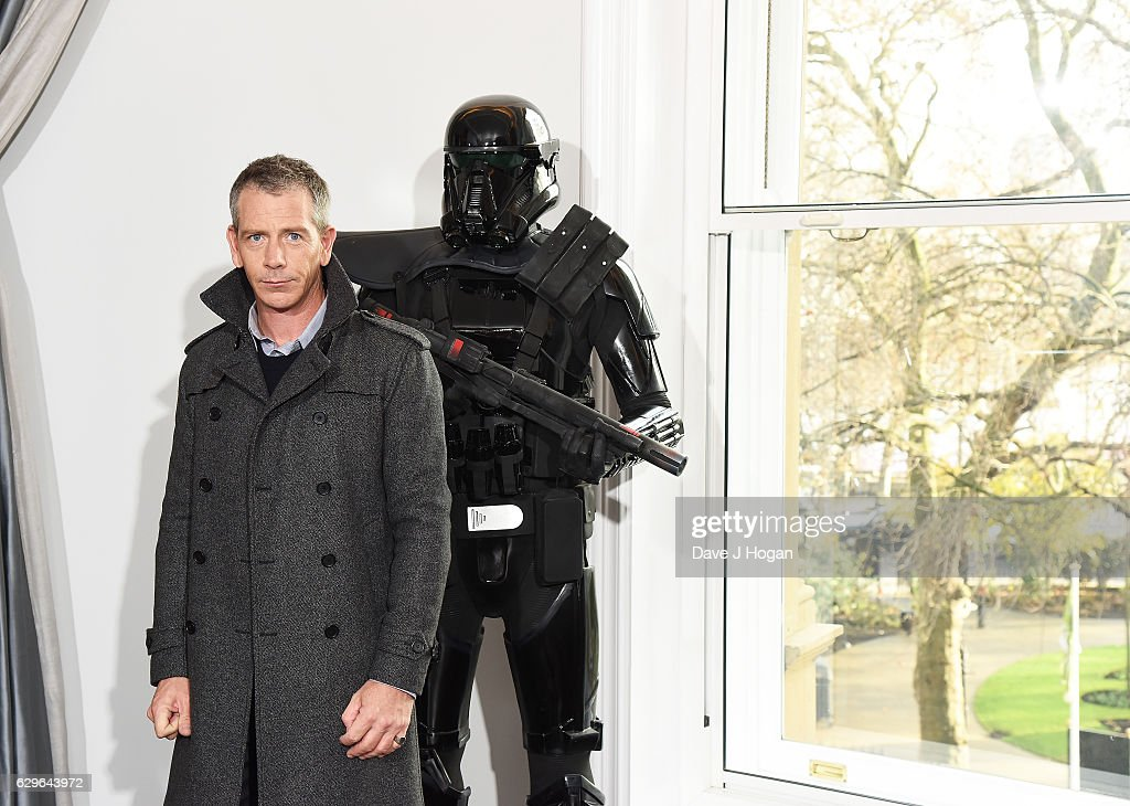 Ben Mendelsohn attends the 'Rogue One: A Star Wars Story' photocall at The Corinthia Hotel on December 14, 2016 in London, England.
