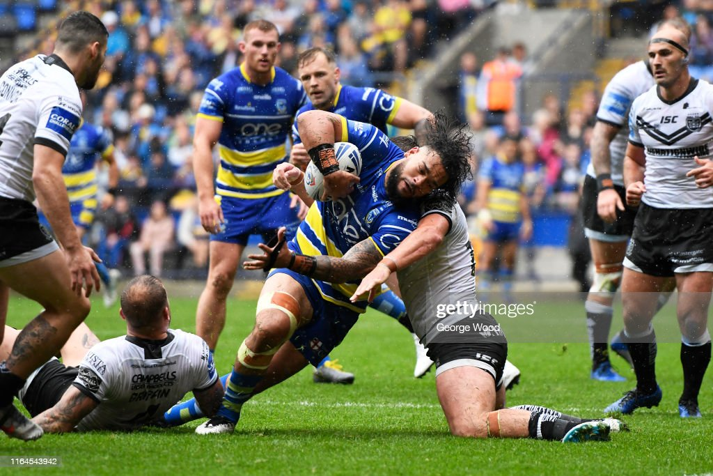 Warrington Wolves v Hull FC - Coral Challenge Cup Semi-final : News Photo