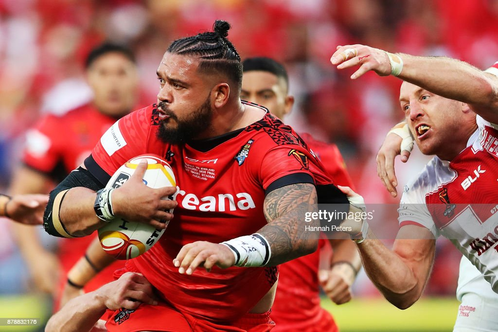 Ben Murdoch-Masila of Tonga charges forward during the 2017 Rugby League World Cup Semi Final match between Tonga and England at Mt Smart Stadium on November 25, 2017 in Auckland, New Zealand.