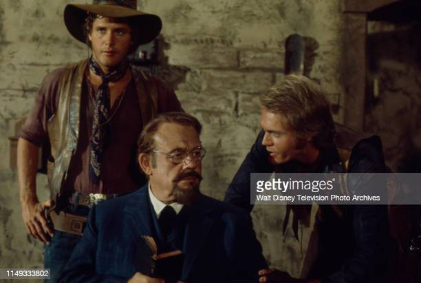 Ben Murphy, Burl Ives, Roger Davis appearing on the ABC tv series 'Alias Smith and Jones'.