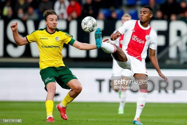 Ben Rienstra of Fortuna Sittard and Ryan Gravenberch of Ajax during the Dutch Eredivisie match between Fortuna Sittard and Ajax at Fortuna Sittard...