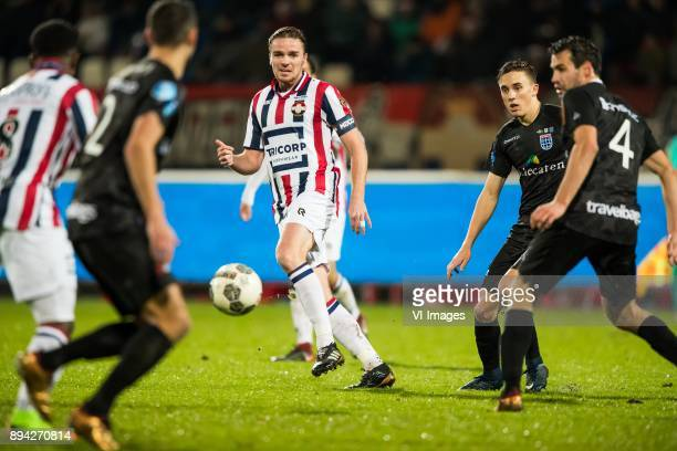 Ben Rienstra of Willem II Ryan Thomas of PEC Zwolle Dirk Marcellis of PEC Zwolle during the Dutch Eredivisie match between Willem II Tilburg and PEC...