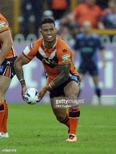 Ben Roberts of Castleford Tigers in action during the First Utility Super League match between Castleford Tigers and Widnes Vikings at The Jungle on...