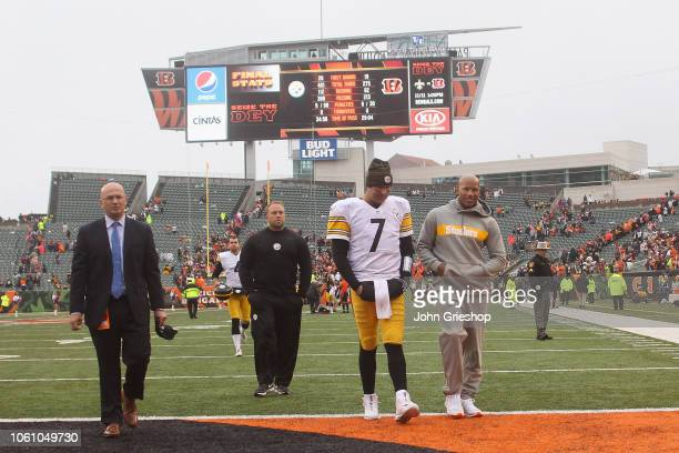 Ben Roethlisberger and Ryan Shazier of the Pittsburgh Steelers walk off the field after their game against the Cincinnati Bengals at Paul Brown...