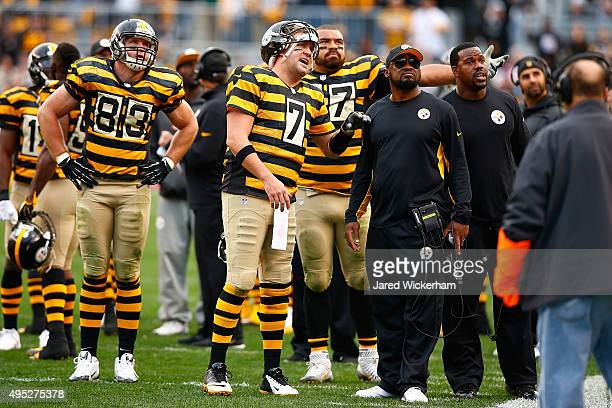 Ben Roethlisberger of the Pittsburgh Steelers and Head Coach Mike Tomlin react to the ball placement of a 3rd quarter play by Heath Miller during the...