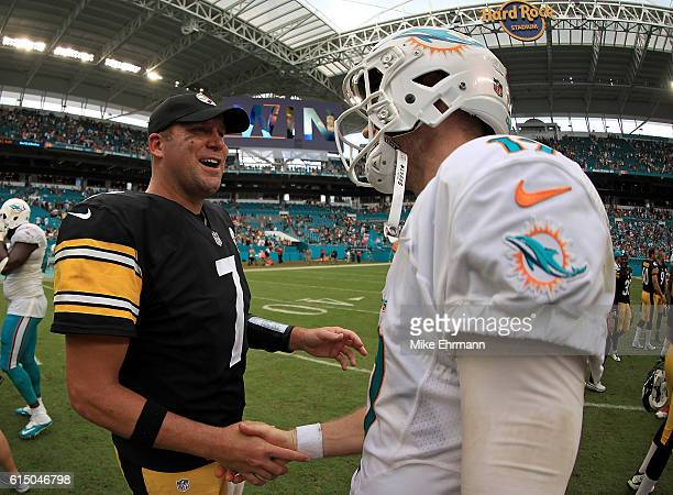 Ben Roethlisberger of the Pittsburgh Steelers and Ryan Tannehill of the Miami Dolphins shake hands following a game on October 16 2016 in Miami...