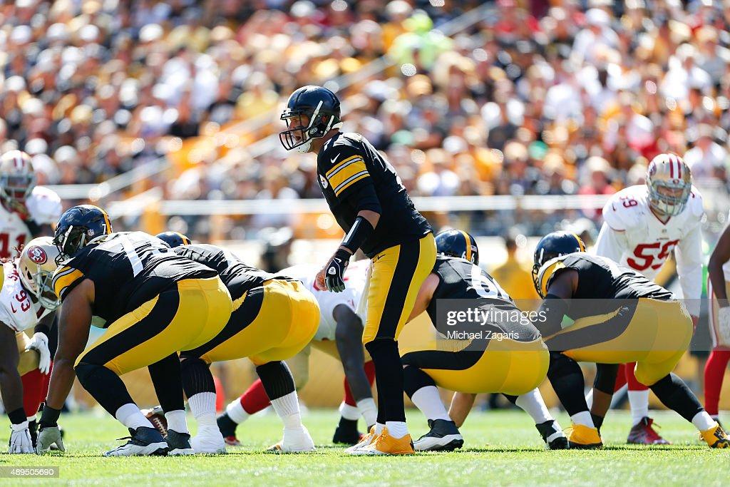 San Francisco 49ers v Pittsburgh Steelers : News Photo