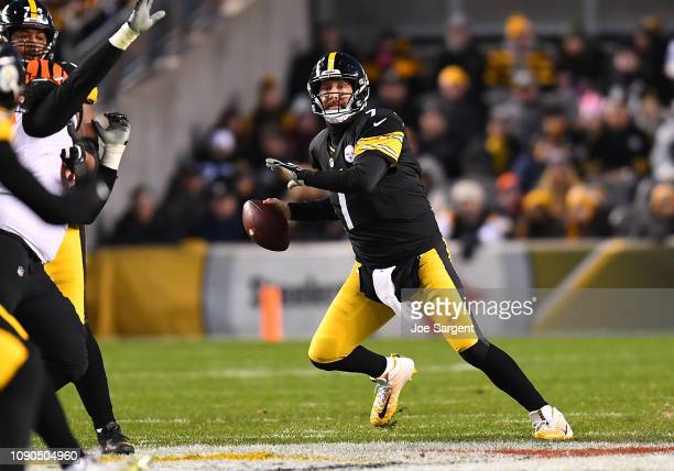 Ben Roethlisberger of the Pittsburgh Steelers in action during the game against the Cincinnati Bengals at Heinz Field on December 30 2018 in...