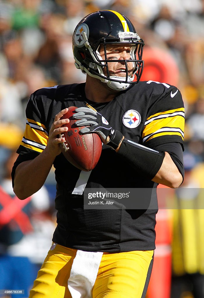 Ben Roethlisberger #7 of the Pittsburgh Steelers in action during the game against the Oakland Raiders on November 8, 2015 at Heinz Field in Pittsburgh, Pennsylvania.