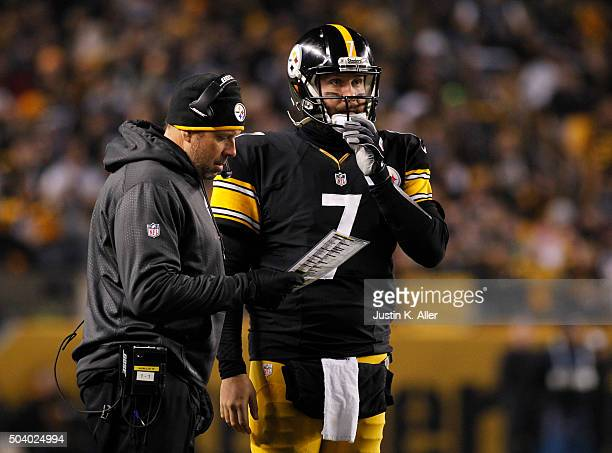Ben Roethlisberger of the Pittsburgh Steelers in action with Todd Haley during the game against the Indianapolis Colts on December 6 2015 at Heinz...