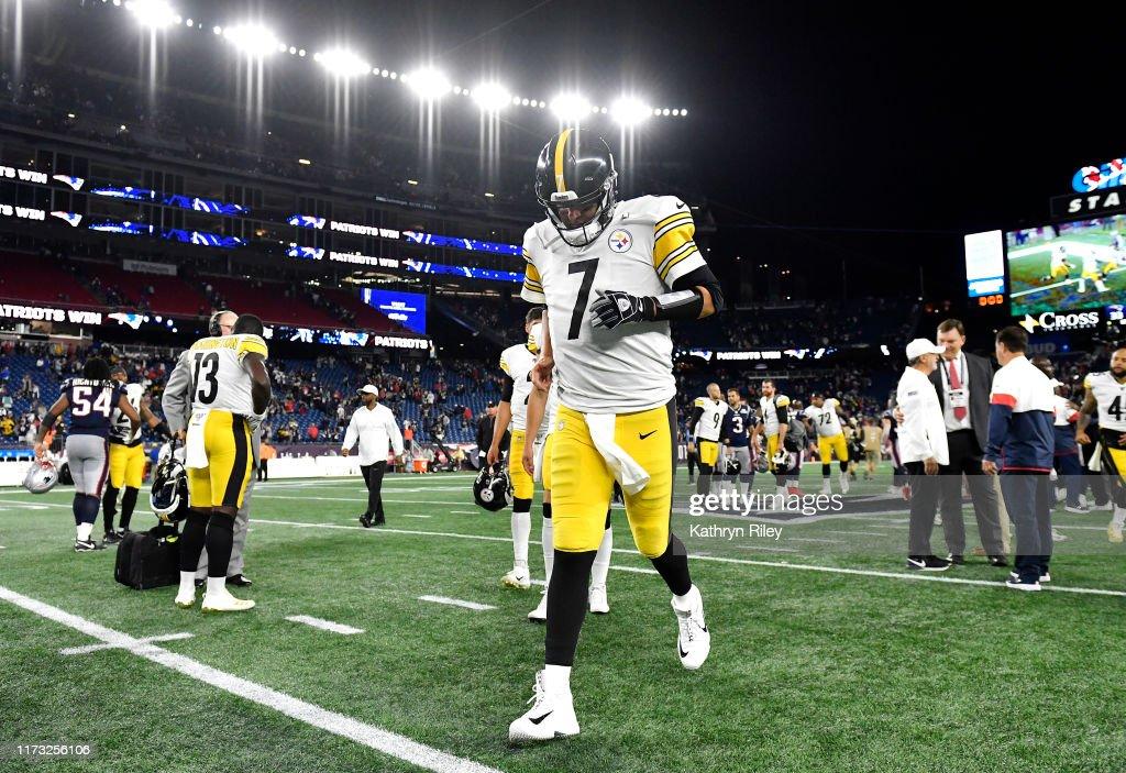 Pittsburgh Steelers vNew England Patriots : News Photo