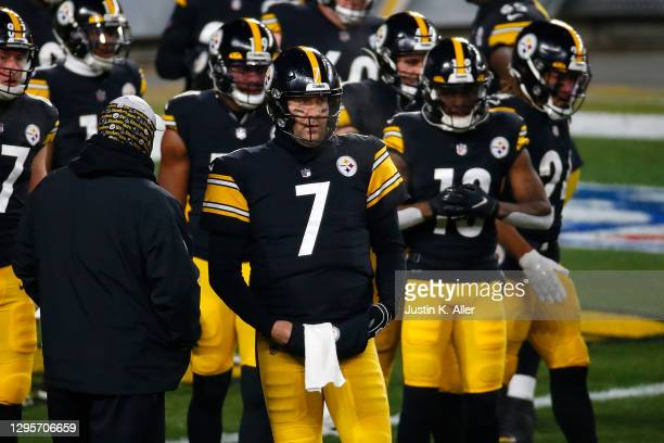Ben Roethlisberger of the Pittsburgh Steelers participates in warmups prior to the AFC Wild Card Playoff game against the Cleveland Browns at Heinz...