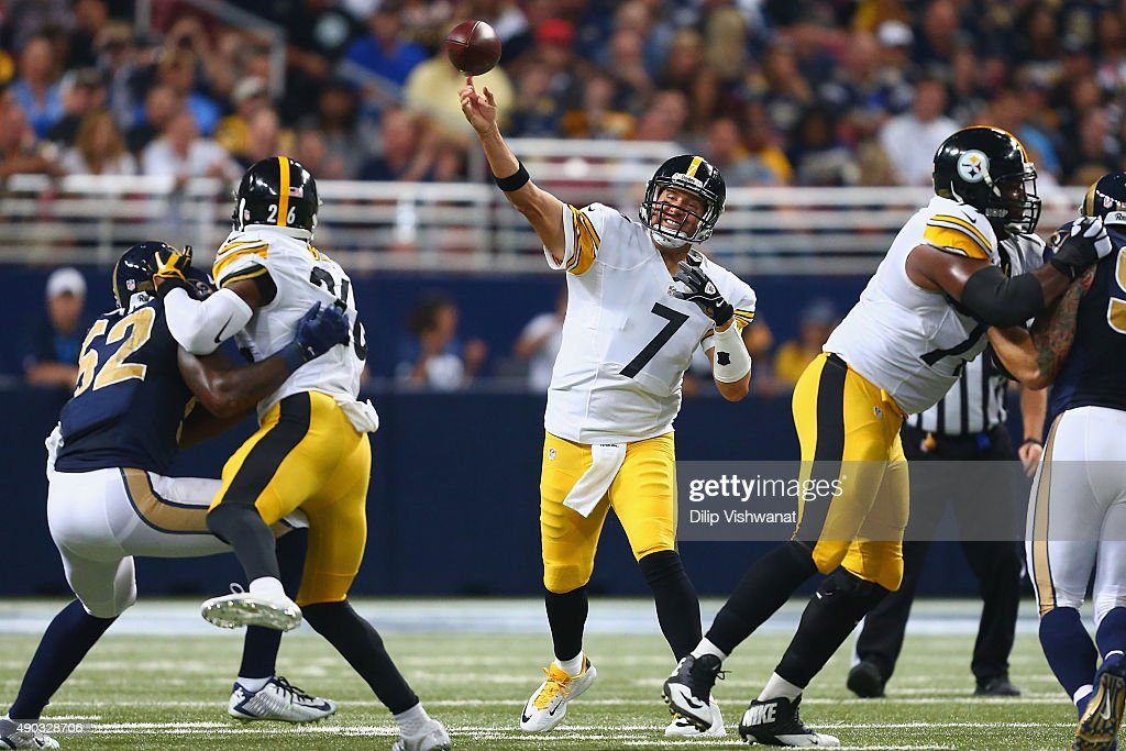 Pittsburgh Steelers v St. Louis Rams : News Photo